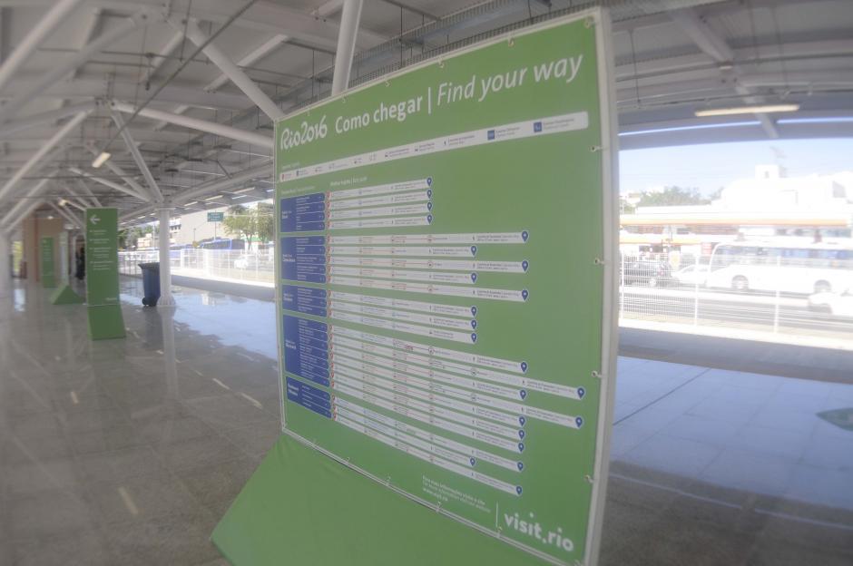 En las paradas del metro se pueden apreciar las rutas y los horarios. (Foto: Pedro Pablo MIjangos/Soy502)