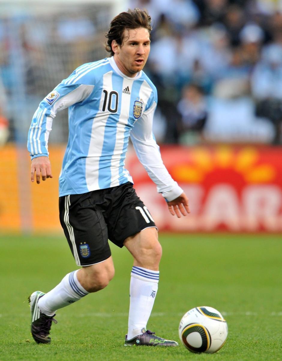 Messi suma más de 500 goles en su carrera, 50 han sido con Argentina. (Foto: Agencias)