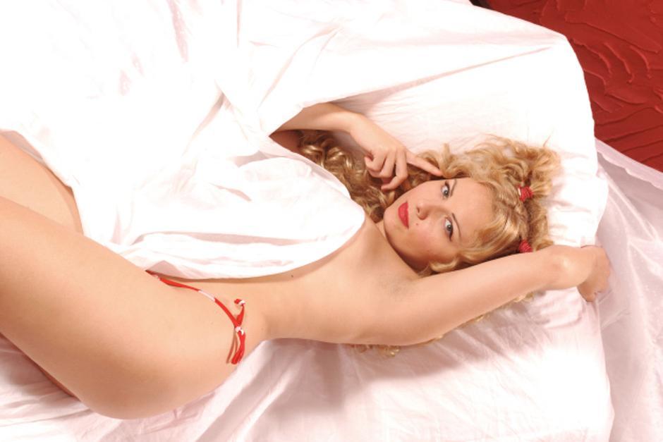 La actriz italiana Lisa Fusco luce su escultural cuerpo. (Foto: Google)