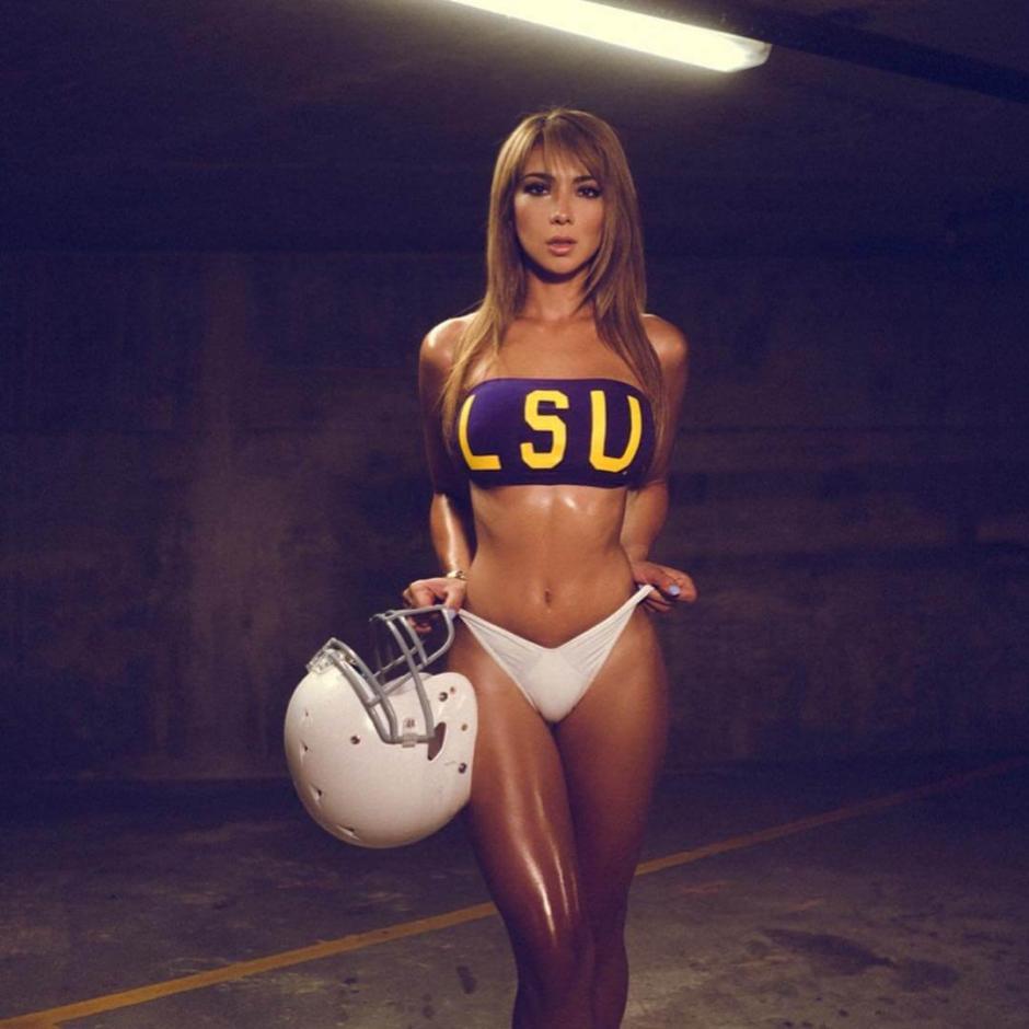 La liga colegial de futbol americano atrae mucho a Livia.  (Foto: Livia Gullo)