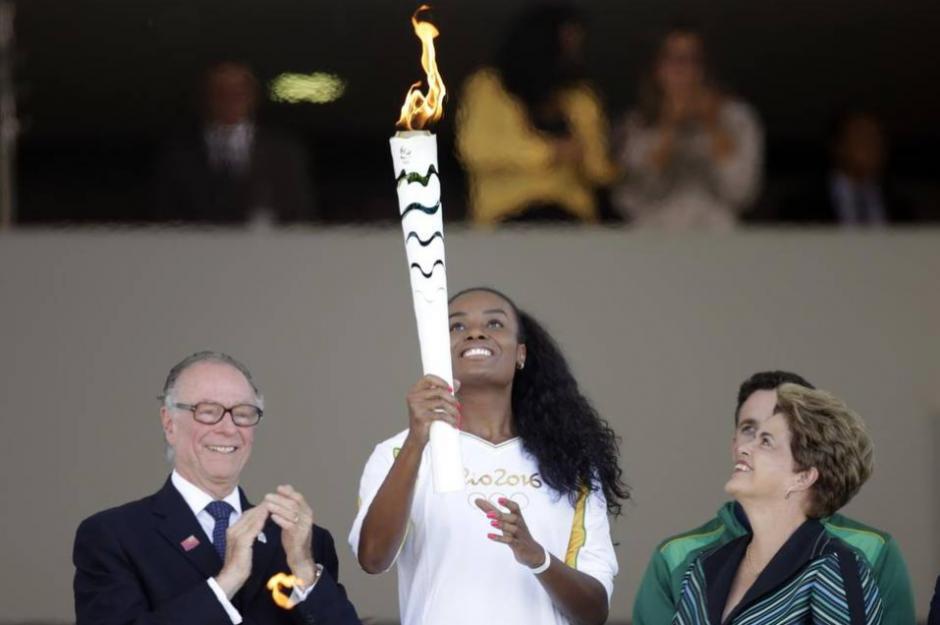 La llama olímpica llegó a Brasil, país sede de los Juegos Olímpicos de Río de Janeiro 2016. (Foto: AFP)