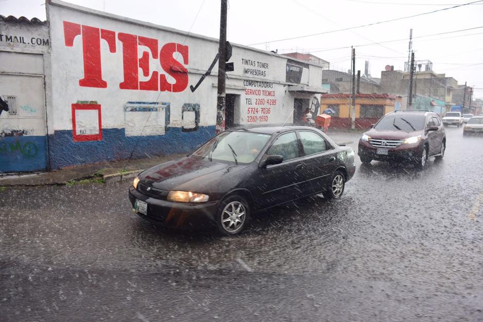 Este viernes llueve con viento y truenos. (Foto: Jesús Alfonso/Soy502)