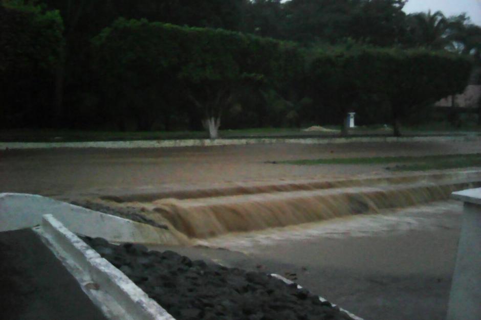 Las lluvias provocaron inundaciones en Suchitepéquez. (Foto: @ConredGuatemala)
