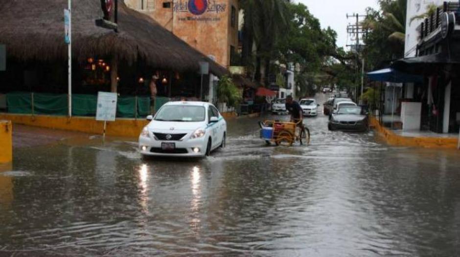Fuertes lluvias azotan el territorio mexicano por el paso de la Tormenta Tropical Patricia que se convirtió recientemente en huracán. (Foto:www.unioncancun.mx)