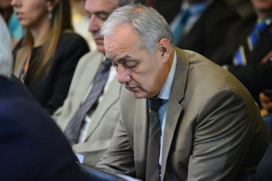 El excomisionado presidencial por la competitividad, Juan Carlos Paiz, dentro de los invitados al debate de la AGG. (Foto: Wilder López/Soy502)
