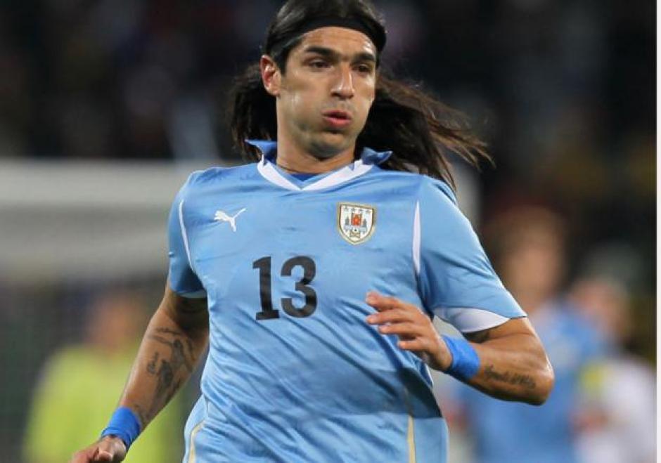 Este dorsal acompañó a Abreu en los 21 clubes en los que jugó y en la selección uruguaya. (Foto: Infobae)