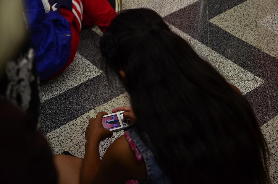 Los niños son los fotógrafos del mañana. (Foto: Selene Mejía/Soy502)