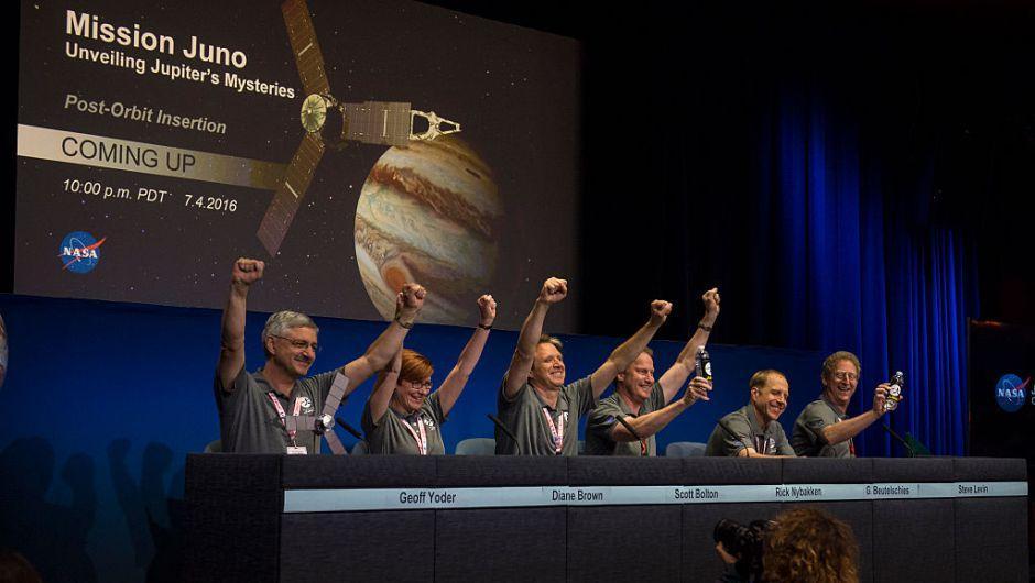 Después de cinco años, la sonda Juno se instaló en la órbita de Júpiter. (Foto: CNN)