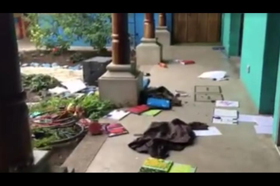 Los saqueadores se llevaron materiales educativos, aparatos electrónicos y otros accesorios. (Foto: Facebook)