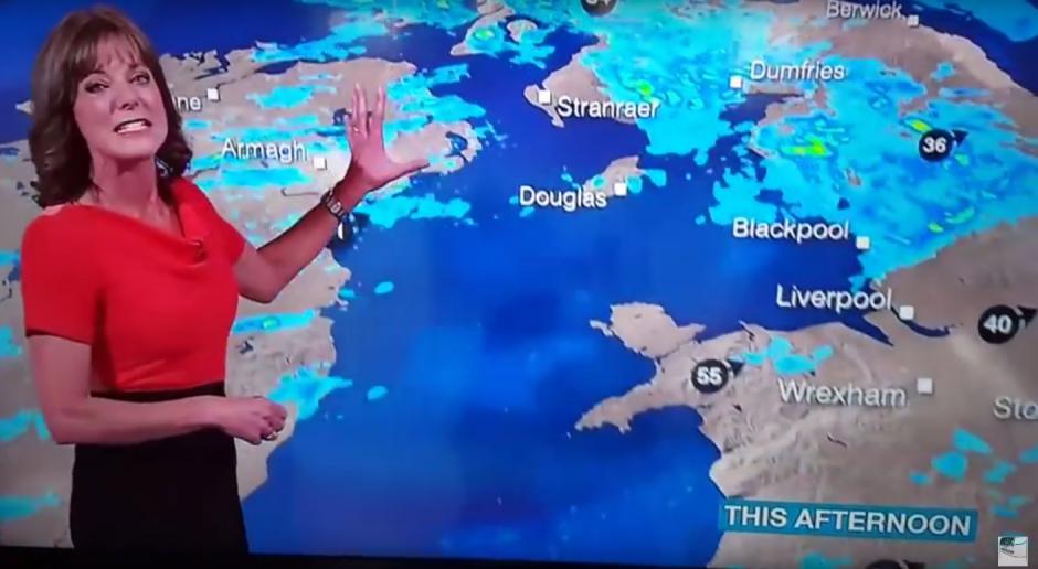 Louise Lear no puede parar de reir. (Imagen: Captura de YouTube)