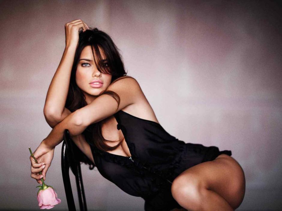 La modelo brasileña ya estuvo casada una vez y tuvo dos hijas en su primer matrimonio. (Foto: Lovethispic)