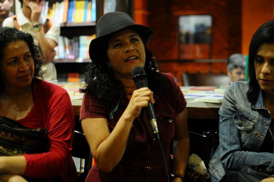 La columnista Lucía Escobar recordó con cariño y admiración a Llorca. (Foto: Alejandro Balán/Soy502)