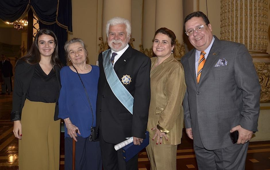 Luis Díaz celebra junto a su familia. (Foto: Selene Mejía/Soy502)