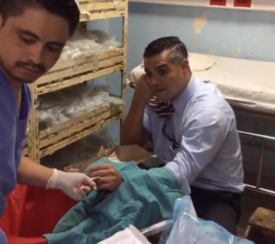 El diputado Luis Hernández Azmitia fue atendido en el hospital San Juan de Dios. (Foto: Luis Hernández Azmitia/Facebook)