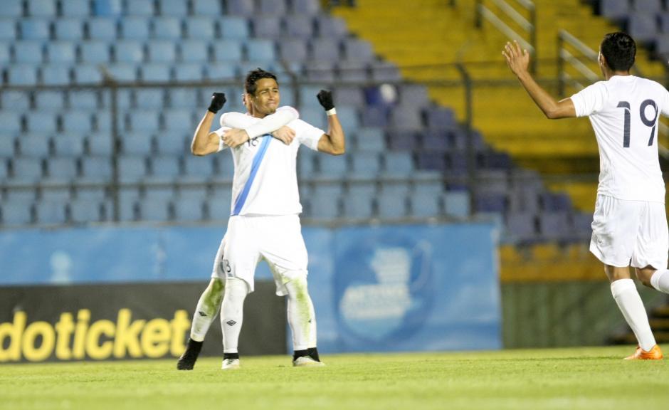 Luis Martínez llora al momento de festejar su primer gol con la selección. (Foto: Luis Barrios/Soy502)