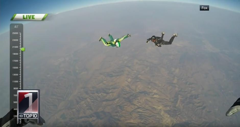 Aikins caería sobre una malla que estaba preparada para recibirlo. (Captura de pantalla: SC Live)