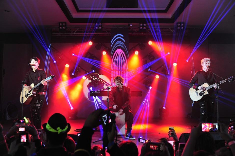 La agrupación interpretó a todo pulmón sus temas. (Foto: Abel Lima/Nuestro Diario)