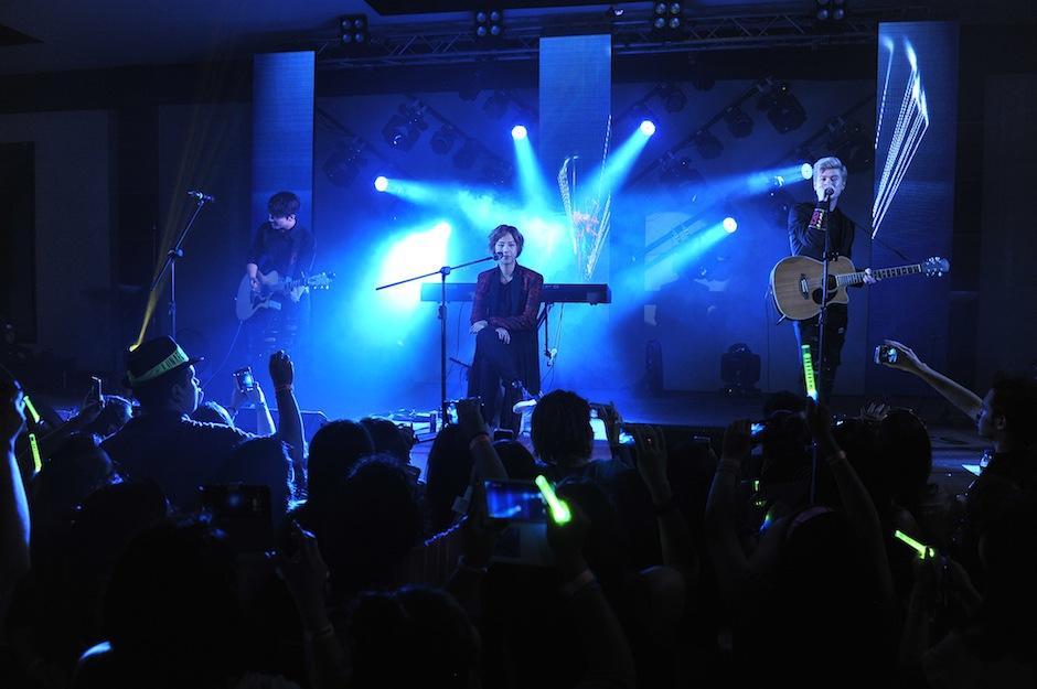 Temas de su autoría y baladas famosas de artistas como Justin Bieber y Enrique Iglesias fueron interpretados por la agrupación surcoreana. (Foto: Abel Lima/Nuestro Diario)