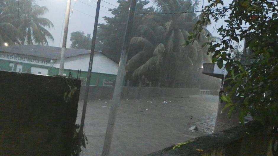 Las lluvias provocaron el colapso de varias estructuras en diferentes puntos del país. (Foto: @ConredGuatemala)