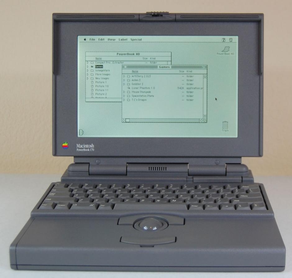 Powerbook 170. Presentada junto a la Powerbook 100 y 140. Fue la más grande de esa línea.