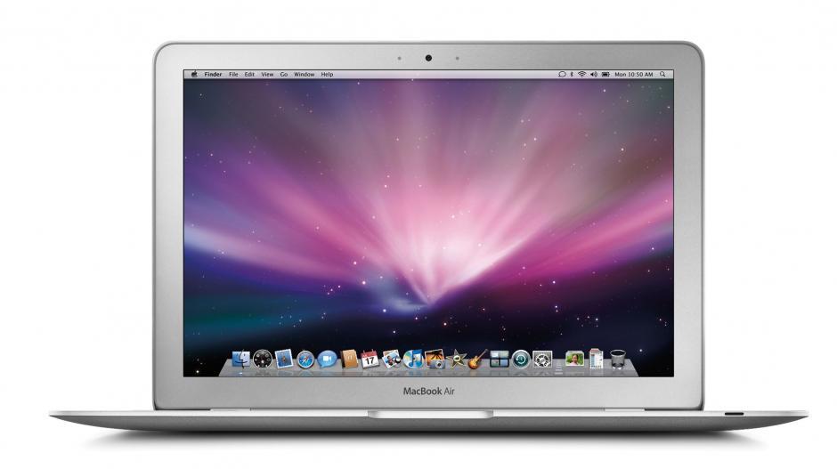 La computadora más reciente presentada por Apple fue la Macbook Air, aunque todas sus líneas han sufrido modificaciones como la eliminación del CD-RM y la integración de pantallas de retina.