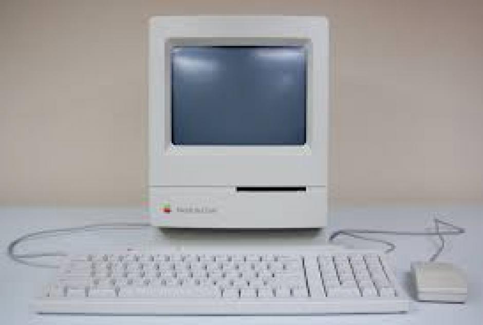 Mac Classic. Fue el primer equipo de Mac que costó menos de mil dólares al mes.