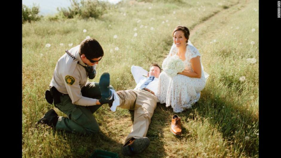 La fotógrafa captó cada uno de los momentos después de que la serpiente lo atacara. (Foto: Maddie Mae)