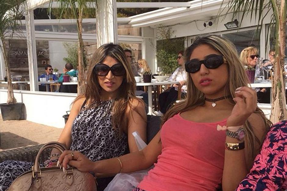 Madre e hija son confundidas como hermanas constantemente. (Foto: dailymail)