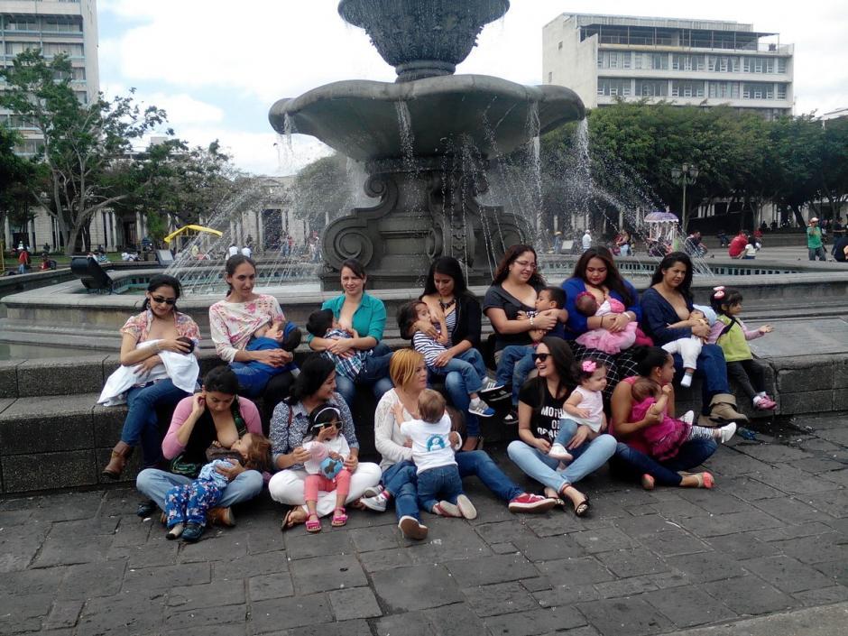 Durante 2016, los guatemaltecos pensaron dos veces si tenían los recursos para contraer matrimonio o traer hijos al mundo. (Foto: Archivo/Soy502)