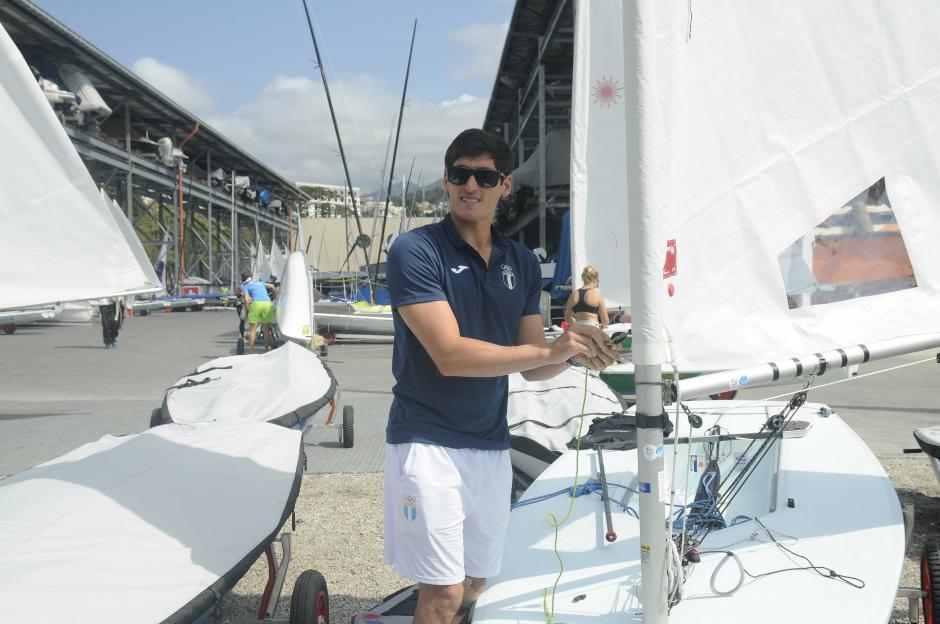 Maegli prepara su embarcación para sus terceros Juegos Olímpicos. (Foto: Aldo Martínez/Enviado de Nuestro Diario)