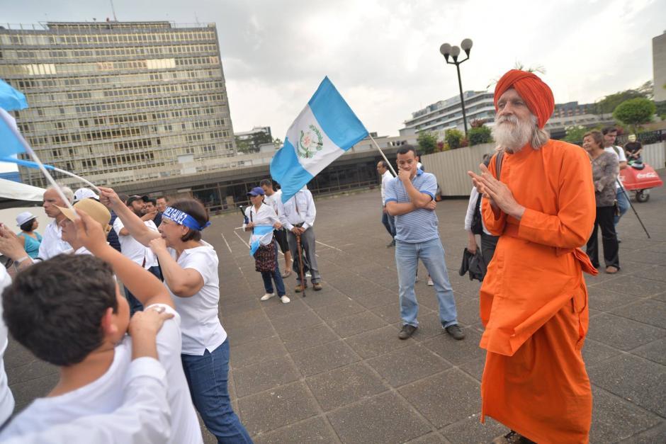 Este personaje llamó la atención de los manifestantes. (Foto: Wilder López/Soy502)