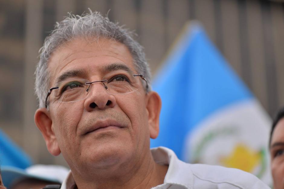 El Juez Miguel Ángel Gálvez llegó al plantón y agradeció el apoyo. (Foto: Wilder López/Soy502)