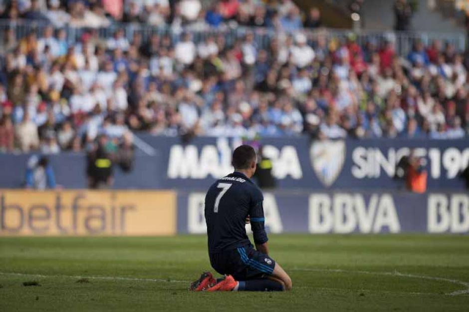 El portugués, Cristiano Ronaldo, se lamentó el fallo de un penal durante el primer tiempo. Minutos antes había convertido un gol. (Foto: AFP)
