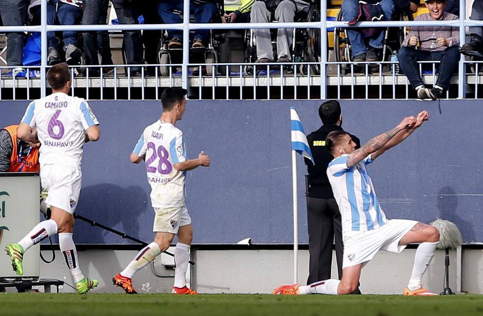 Albentosa empató para Málaga y dejó a Real Madrid casi sin opciones en la Liga. (Foto: EFE)