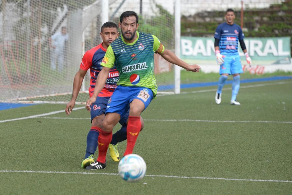 """Carlos el """"Pescado"""" Ruiz anotó el segundo gol de Municipal, ya suma tres en el torneo tras once jornadas.(Foto: Sergio Muñoz/Nuestro Diario)"""