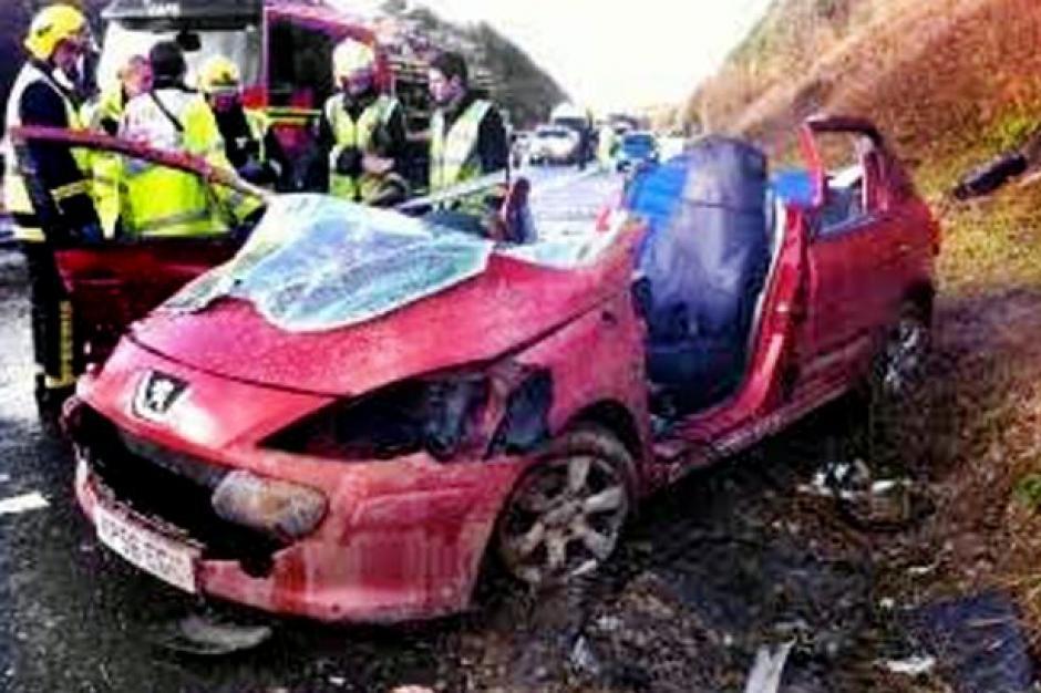 Así quedó el vehículo en el que viajaba Danielle. (Foto: sopitas.com)