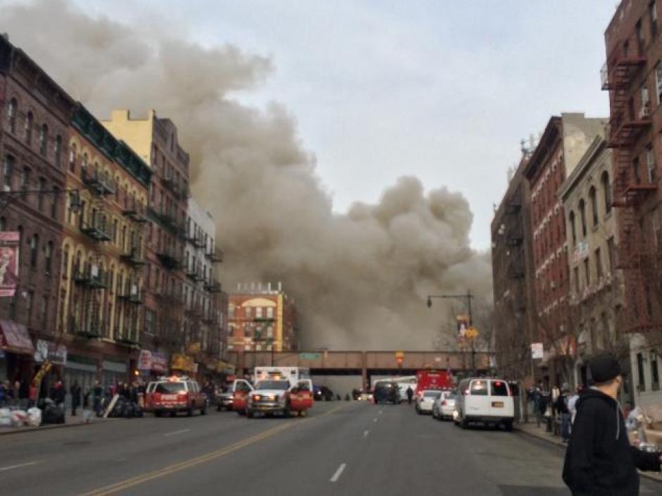 Usuarios de Twitter mandan fotografías de la misteriosa explosión. (Foto: Twitter)