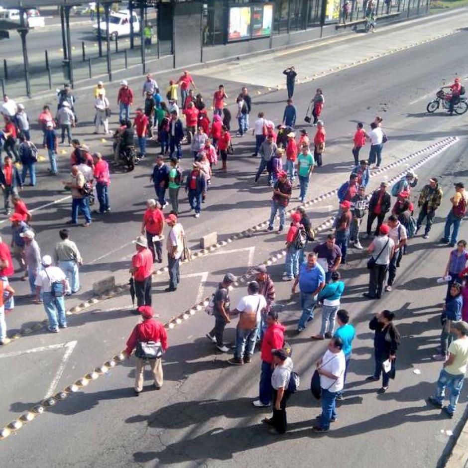 Los manifestantes bloquean varias carreteras del país. (Foto: @Amilcarmontejo)