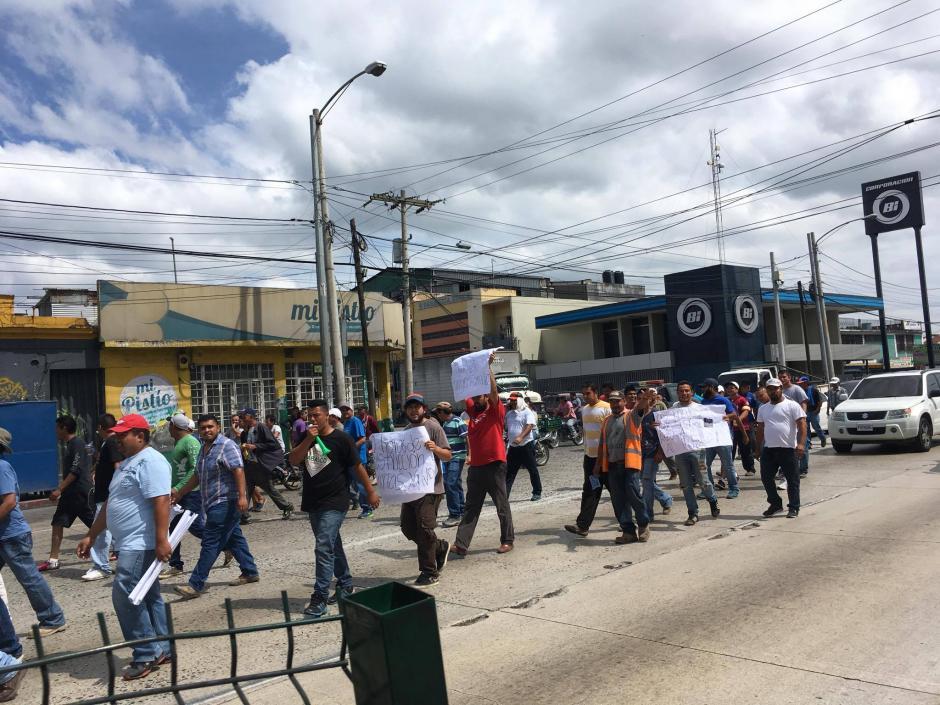 Los manifestantes piden que no se aplique el horario de restricción del transporte pesado. (Foto: Fredy Hernández/Soy502)
