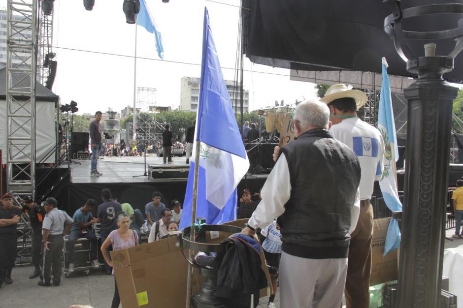 Ambas actividades se desarrollan en la Plaza de la Constitución. (Foto: Fredy Hernández/Soy502)
