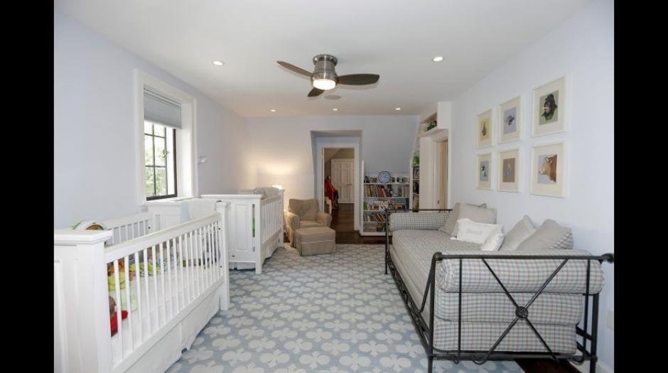 También un cuarto para bebés está amueblado en la vivienda. (Foto: MRIS)