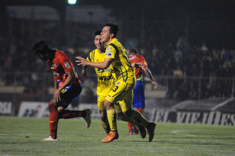 El juvenil Kevin Elías anotó el gol de triunfo de los leones de Marquense, en el segundo tiempo.  (Foto: Nuestro Diario)