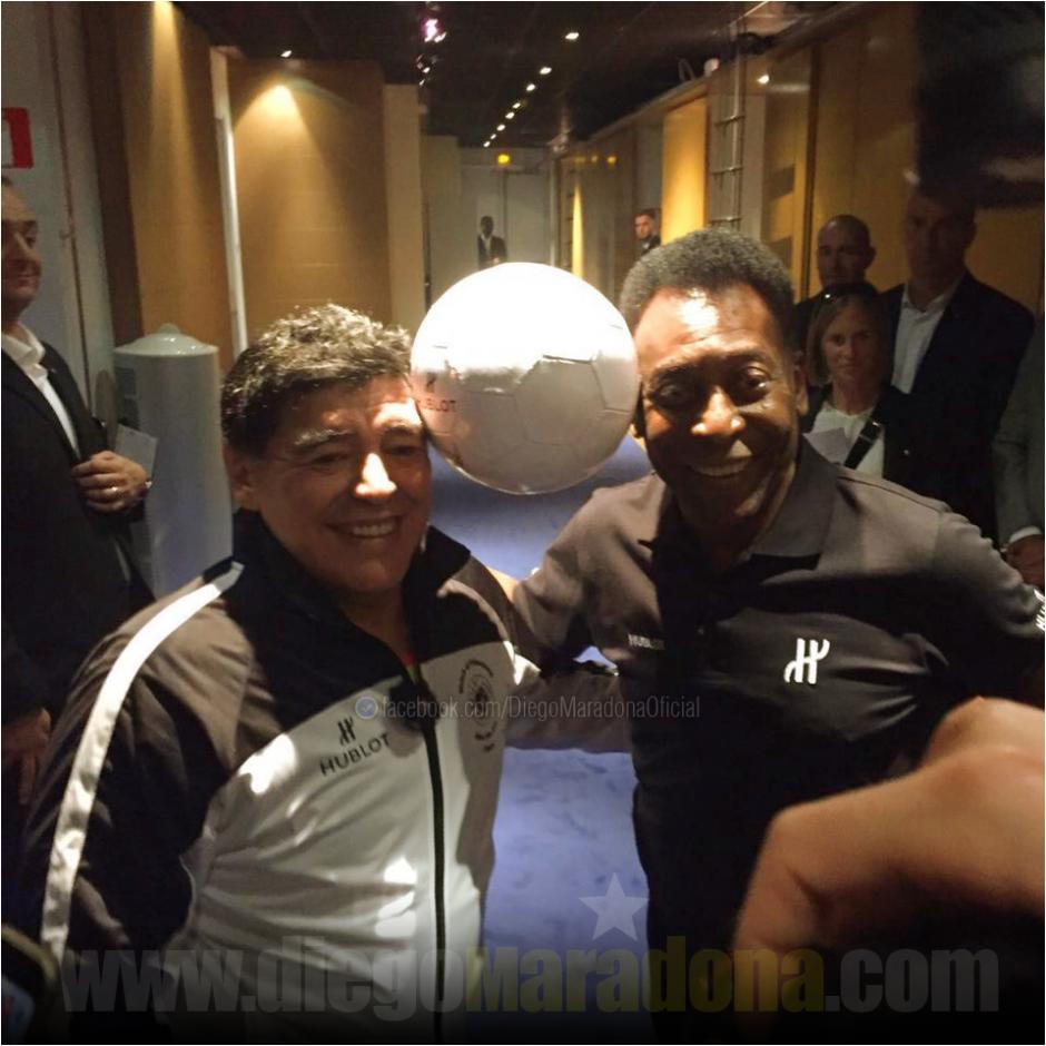 Maradona y Pelé publicaron las imágenes del encuentro en sus redes sociales. (Foto: Facebook/Diego Maradona)