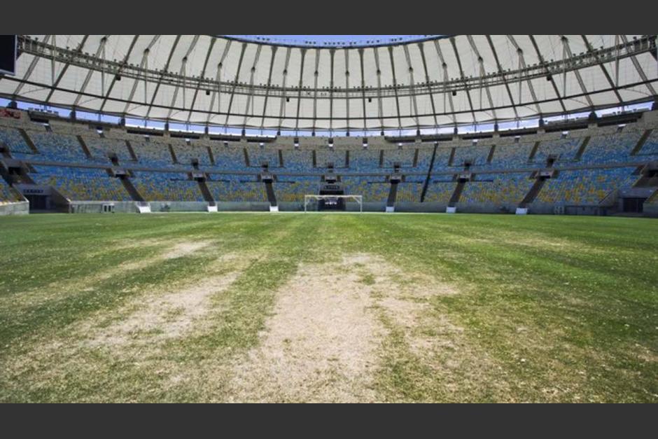La gramilla del estadio Maracaná luce muy deteriorada. (Foto: Twitter)