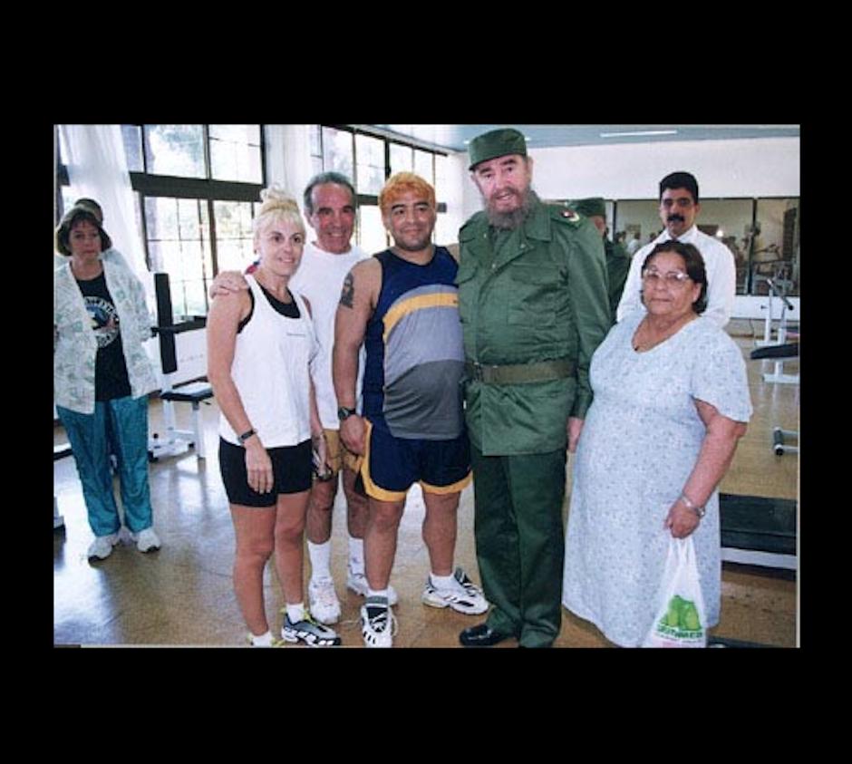 Maradona afirma que el político apoyó su carrera. (Foto: Maradona retro pics)