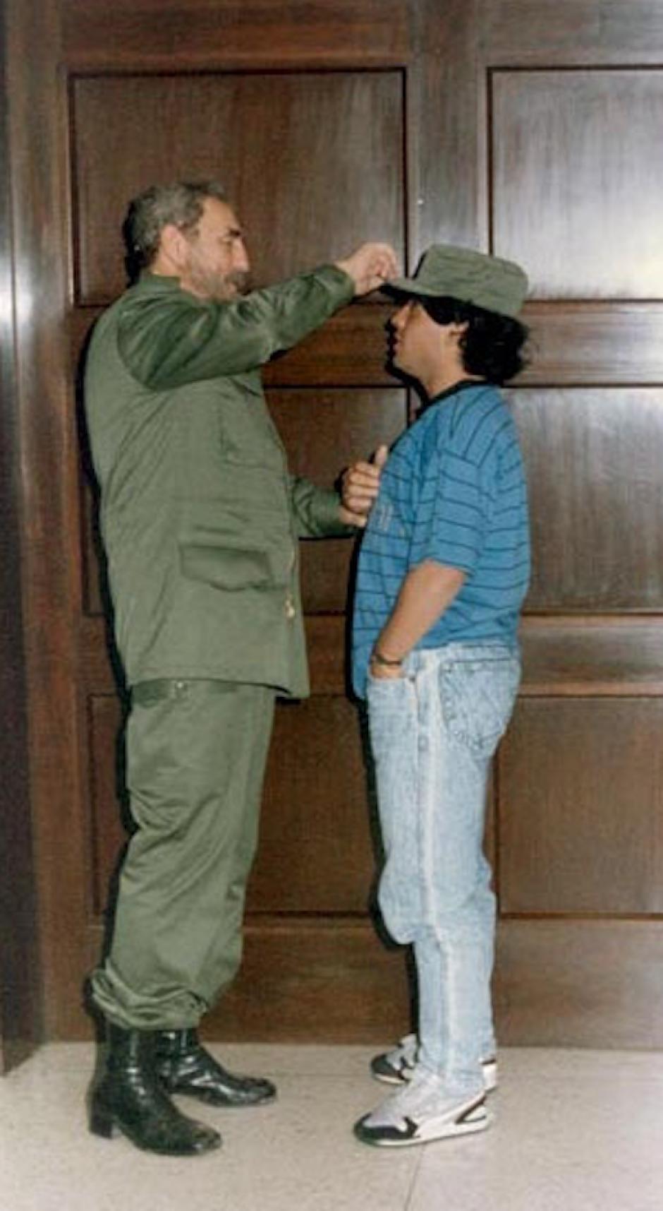Afirma que tuvieron una relación de padre a hijo. (Foto: Maradona retro pics)