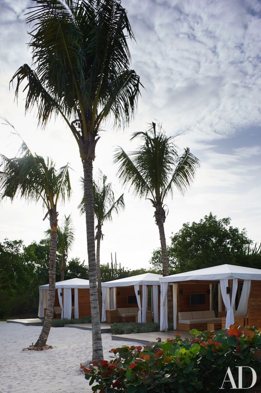 Las palmeras tambíen conviven con este espacio. (Foto:  Architectural Digest)