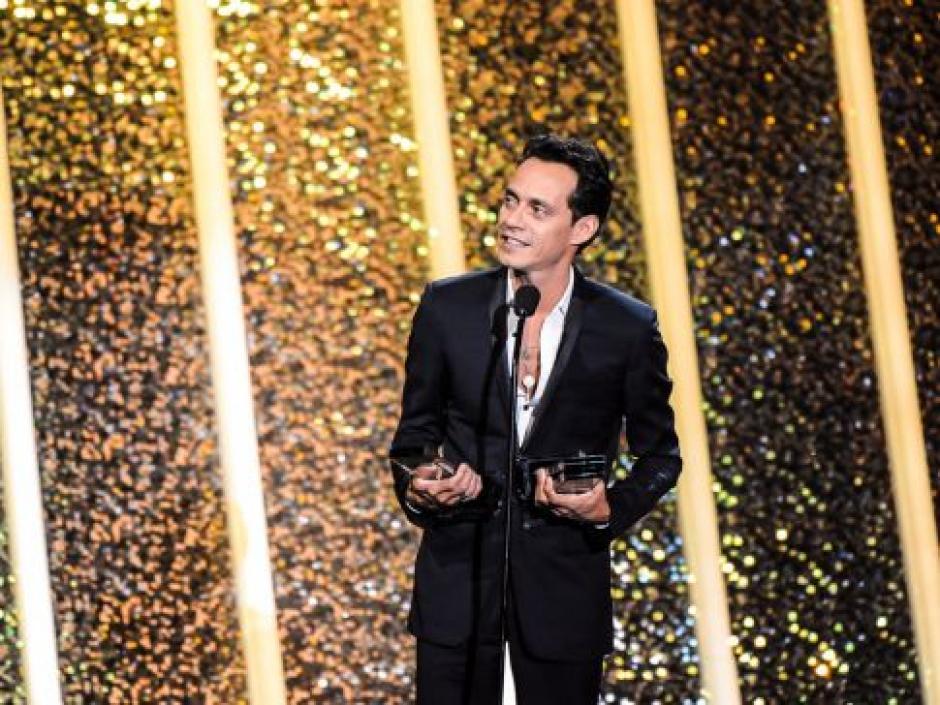 Marc Anthony fue el gran ganador de la noche, al llevarse 10 premios Billboard de la Música Latina. (Foto: Telemundo)