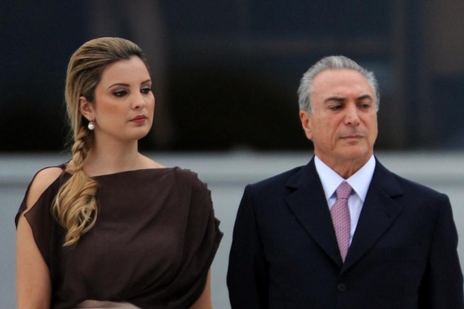 La primera vez que Marcela Temer apareció en público fue durante la toma de posesión de Rousseff, en 2011. (Foto: radionacional.com.uy)