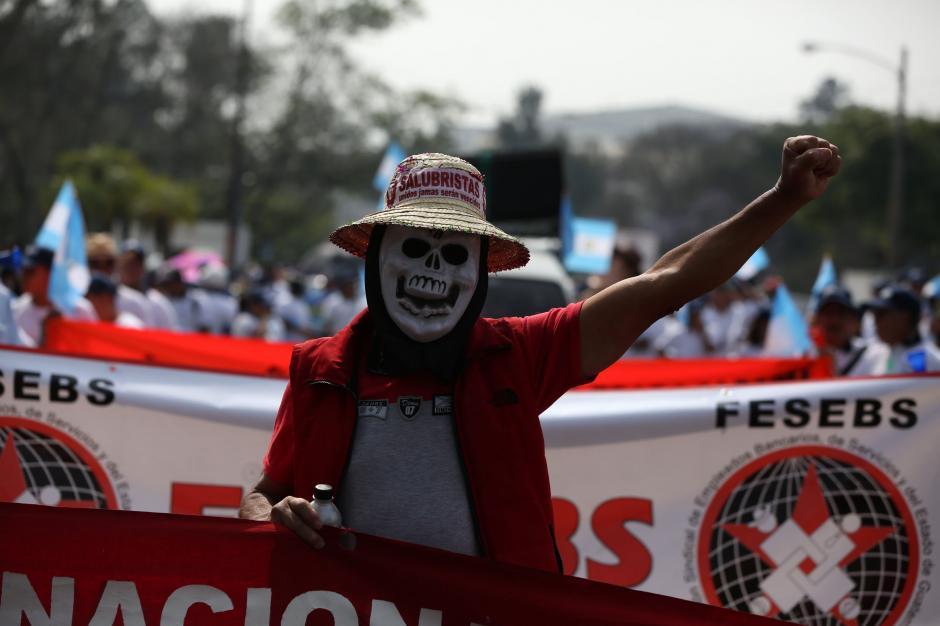 La marcha salió del Monumento al Trabajo de la zona 5. (Foto: EFE)